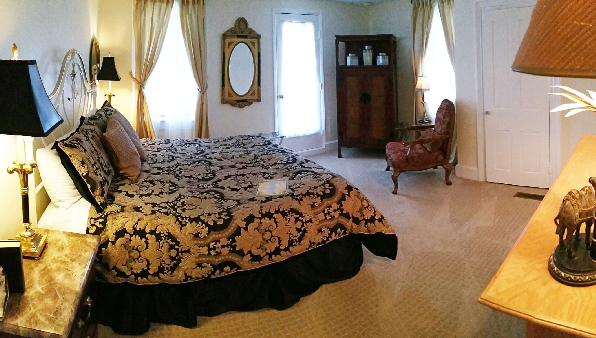 The Hunter Room | The Blue Max Inn Bed and Breakfast in Chesapeake ...