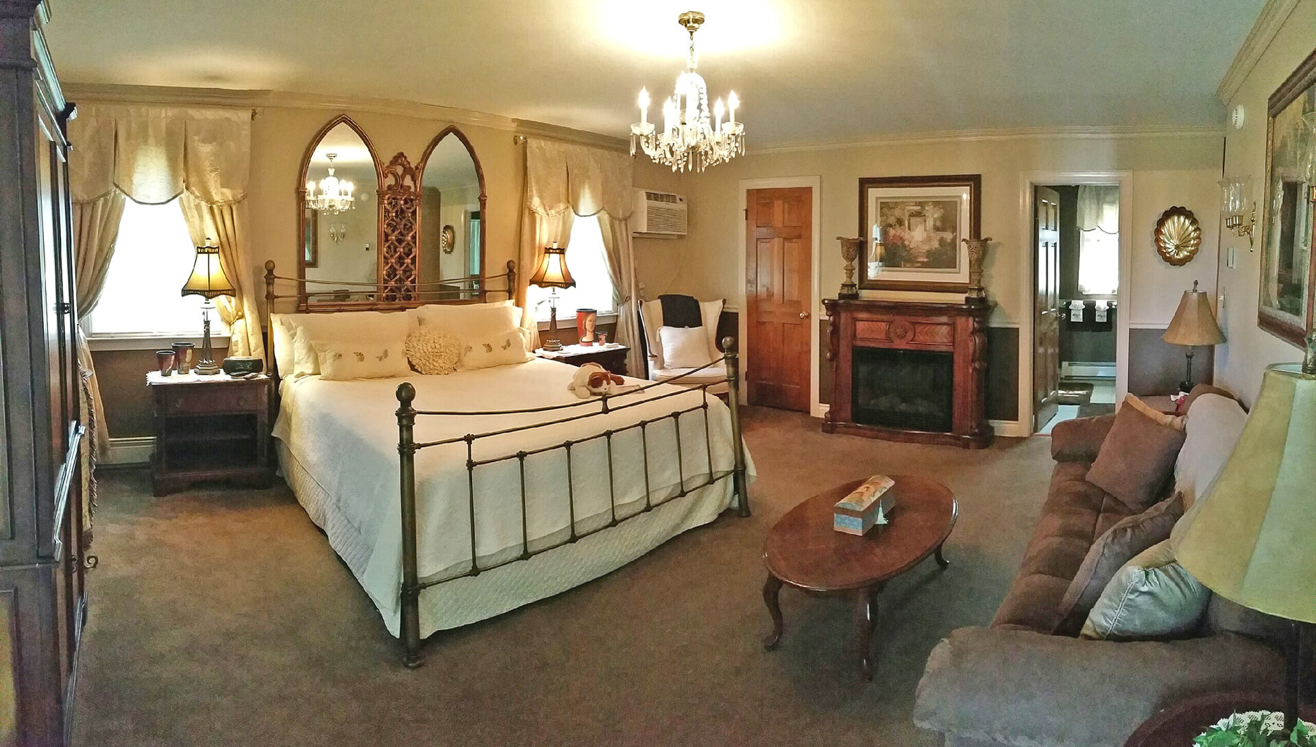 The Christina Suite | The Blue Max Inn Bed and Breakfast in ...