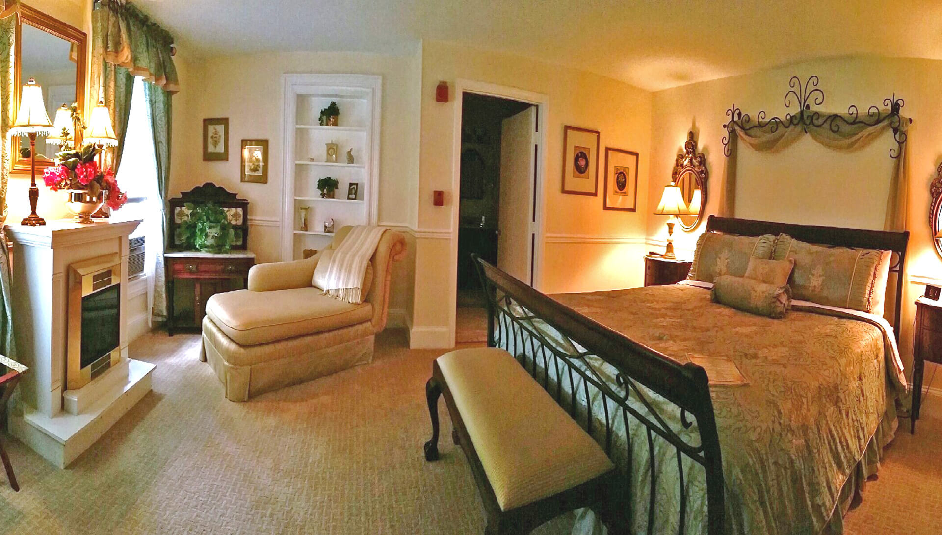 The Lindsey Room | The Blue Max Inn Bed and Breakfast in Chesapeake ...